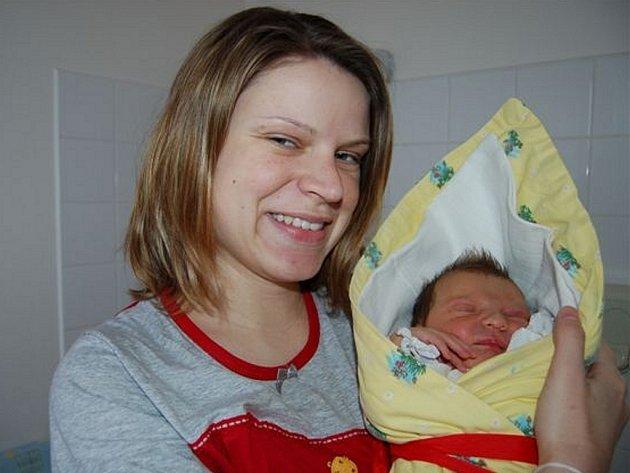 Zora Pichlíková ze Zbiroha  se narodila 5. března v 03.30 hodin. Manželé Jitka a Marek se nechali pohlavím prvního dítěte překvapit. Holčička měřila 51 cm, vážila 3900 gramů a tatínek byl u toho.