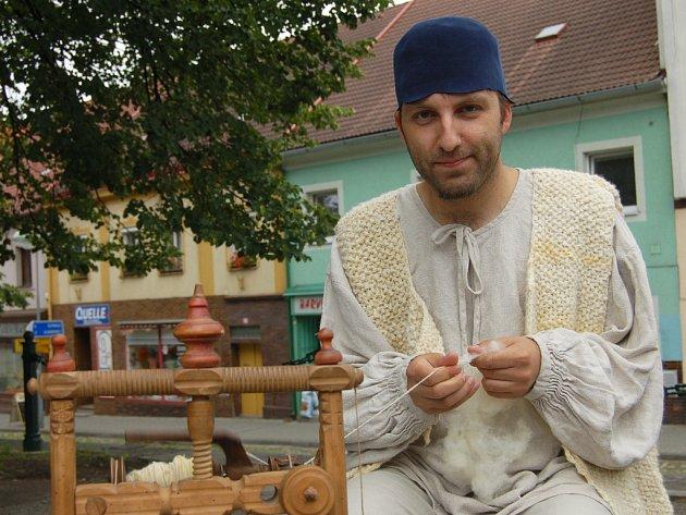 S ukázkou předení dorazil do Radnic Matyáš Orsák z Cehnice na Strakonicku.