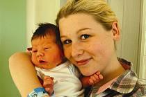 Matěj VALENTA z Lipnice se na sále rokycanské porodnice narodil 9.prosince v 19 hodin a 37 minut. Maminka Marjana a tatínek Tomáš věděli dopředu, že jejich první dítě bude chlapeček. Matějíček vážil při příchodu na svět 3820 gramů, měřil 52 cm.