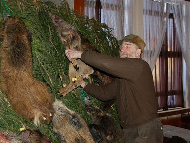 Práci Jaromíra Hirsche (na snímku) a jeho kolegů ocenilo téměř dvě stě hostů pátečního plesu ve Volduchách.