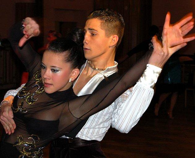 Závěrečnou disciplínou soutěže v Rokycanech byly latinskoamerické tance a vyhráli ji Jihočeši. Viktor a Tamara Houdkovi přijeli ze Strakonic.