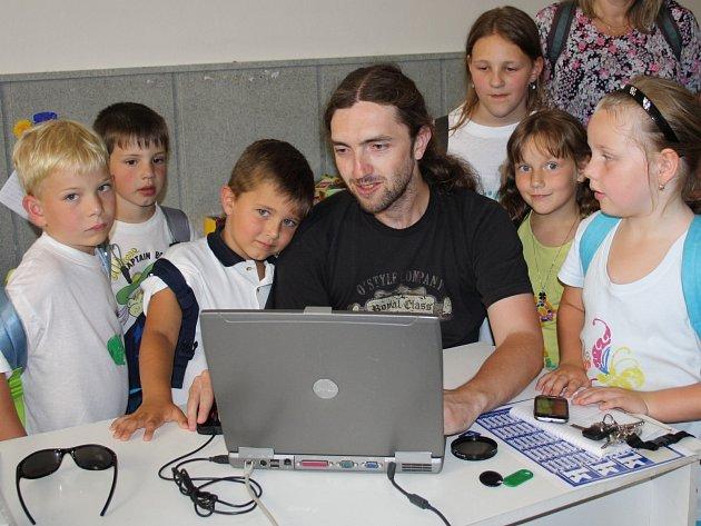 Redakci navštívily děti z příměstského tábora při ZŠ Jižní předměstí.