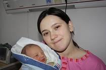 Michaela Bouda z Mirošova vykoukla na svět v rokycanské porodnici jako první miminko letošního roku. Na snímku s maminkou Anou.