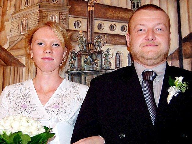 Petr Darnadi z Rokycan a Kamila Reitmayerová ze Svojkovic předstoupili v sobotu jako první  před rokycanského místostarostu Jaroslava Mráze. Na společnou  pouť je poslal po třinácté hodině.