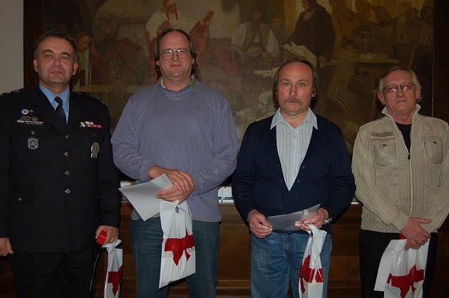Držitelé Zlatého kříže 3.stupně. Zleva to to byli Petr Vaňata z Dobříva, Evžen Smitka z Volduch, Jaroslav Hanzlík z Mlečic a Josef Dienstbier z Rokycan.