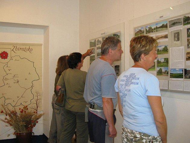 V městském muzeu ve Zbiroze je k vidění výstava fotografií dokumentující proměny obcí Mikroregionu Zbirožsko.