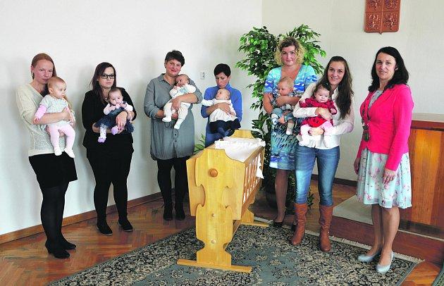 Slavnostního aktu se zúčastnilo šest dětí.