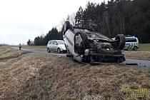 Úterní nehoda osobního auta se stala před polednem pod Rakovou.