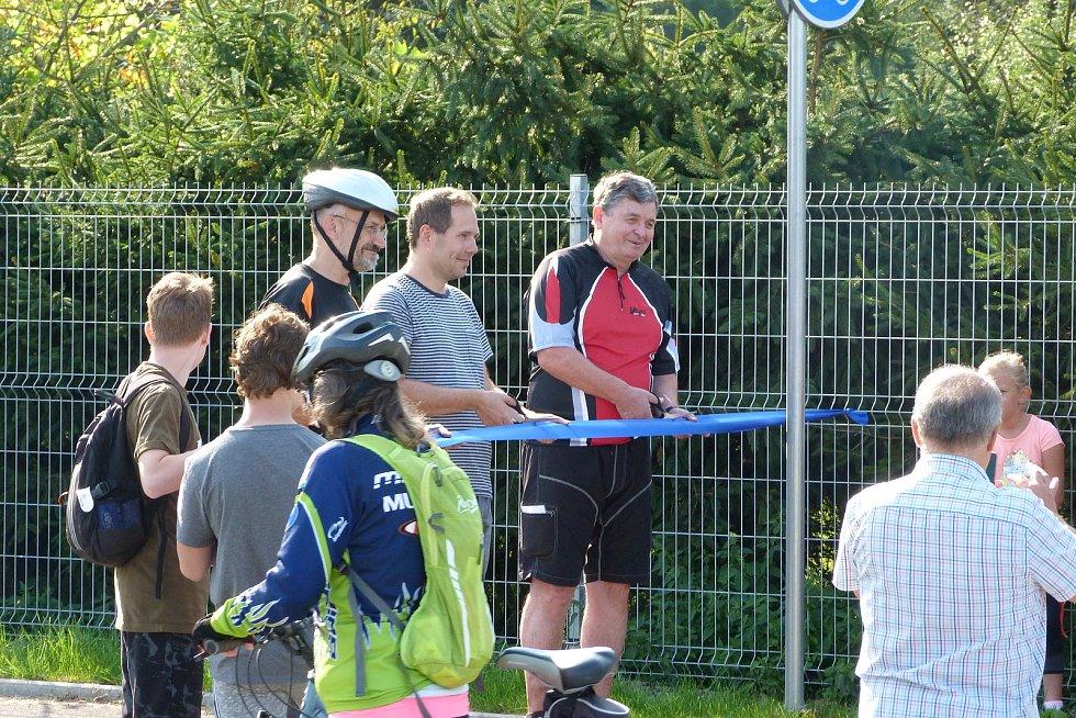 Slavnostní otevření nového úseku cyklostezky