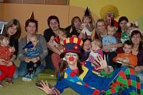 Velkoryse v úterý oslavily maminky nejmenších obyvatel Oseku zprovoznění mateřského centra Děti.