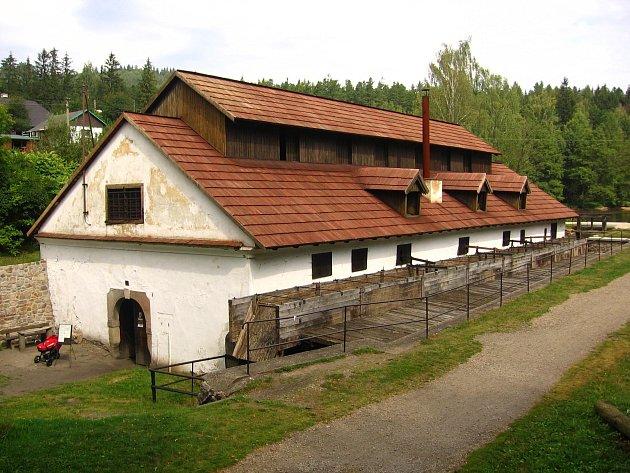 VODNÍ HAMR v Dobřívě láká každý rok tisíce nadšených návštěvníků. Letos ho čeká důkladná rekonstrukce.