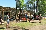 Brigáda na přípravu tábořiště ve Spáleném mlýně.
