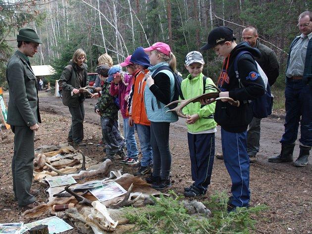 Lesy města Rokycan pro děti připravily bohatý program, včetně představení myslivosti.