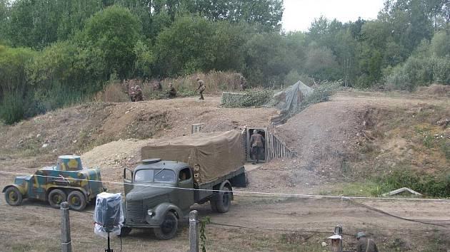 Vojenská technika a program, připravený v rámci akce obce legionářské aktivisty z Rokycan, přilákal stovky lidí.