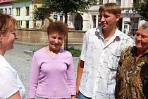 Ve středu před polednem dorazila do centra Rokycan trojice Kazachů. Rozhodli se žít v naší vlasti a představitelé města jim poskytli dva byty.