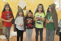 Děti si pro návštěvu připravily vánoční program