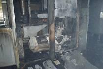 Následky požáru kompresoru ve firmě Borgers