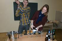 Roman Mikula a Magdaléna Dubová věnují přípravě na soutěž většinu svého volného času. Pro účast v celorepublikovém klání to ani jinak nejde.