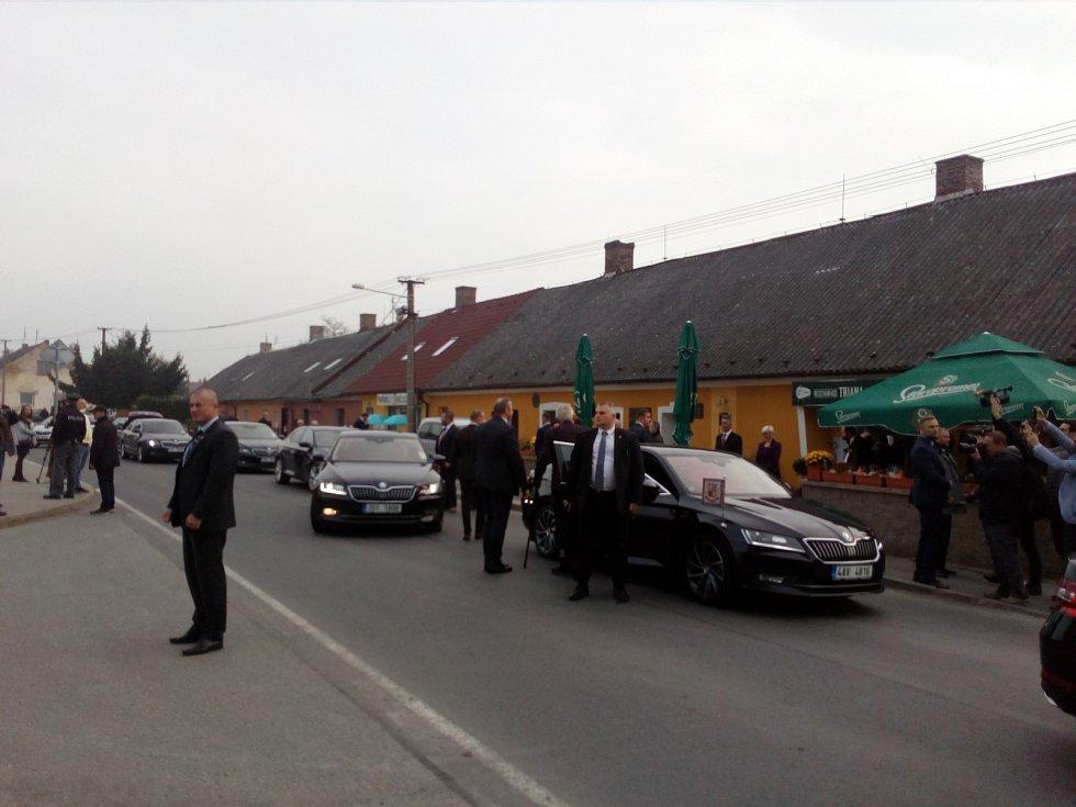 Prezident dorazil do Břas