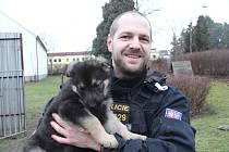 PSOVOD Pavel Bouček s malým svěřencem Arminem.