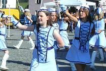 Dívky na snímku jsou žákyněmi  Základní umělecké školy Zbiroh. V jejich repertoáru je několik vystoupení a v sobotu se jimi hodlají pochlubit v rámci pivních slavností.