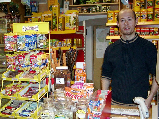 Lidé kupují dražší vybavení, lepší krmiva či nová zvířátka. Napilno mají i v obchodě na Malém náměstí v Rokycanech.