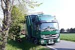 Čtvrteční dopravní nehoda kamionu v Mirošově