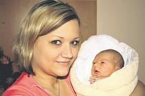 Matěj CHOCHOLA si pro svůj příchod na svět vybral datum 10. února. Narodil se dopoledne, v 10 hodin a 25 minut. Malý Matěj přišel na svět s mírami 2850 gramů a 48 cm.