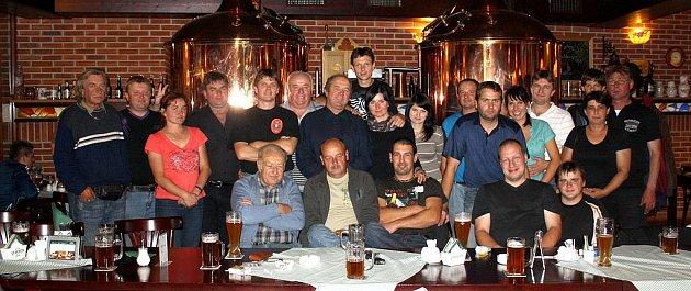 Výjezd do pivovaru v Černicích si užilo 23 hasičů i nehasičů z obce. Ochutnávku různých druhů piv a specialit doprovázela dobrá zábava. Každý z účastníků ochutnal různé druhy piv, od fíkového po pšeničné.
