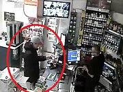 Muže během placení kradenou platební kartou zachytila bezpečnostní kamera