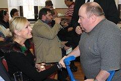 Luboš Suchopárek využil šanci popovídat si s patronkou DSS Liblín Helenou Vondráčkovou.