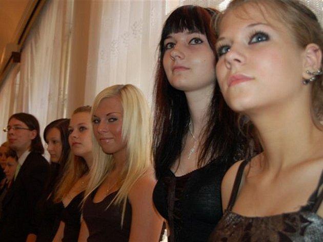 Slavnostní vyřazení gymnazistů.