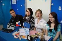 Střední škola Rokycany reprezentovala v Praze hned dvakrát. Firmu A – Z Sport zastupovali Jakub Brichta, Lucie Kolářová, Lucie Vondrášková a Šárka Malá.