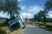 Řidič nezvládl kamion.