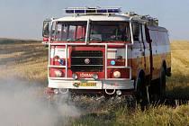 Jarní a slunné počasí láká k práci na zahrádce a údržbě travních porostů. V intervalu jednoho týdnu se v okrese rozmohly požáry suché trávy. Jen dílem štěstí a hasičů se vše zatím obešlo bez větších škod.