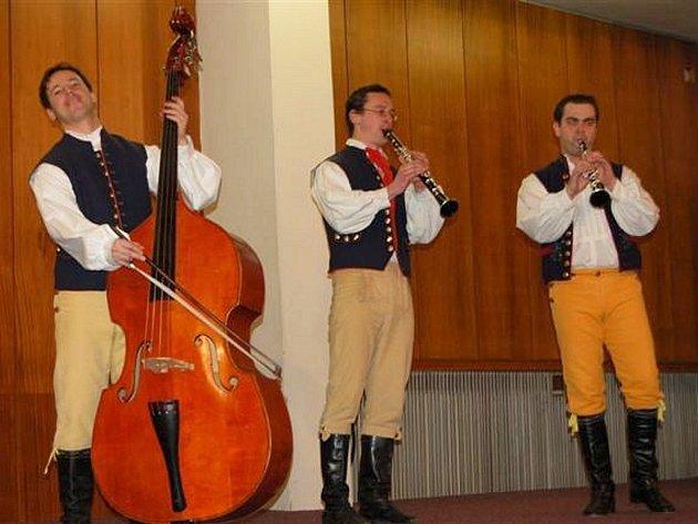 Rokycanští udělili malým lidovým zpěvákům cenu města.