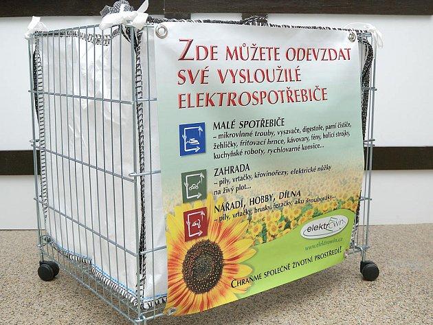 Už v pěti prodejnách najdou zákazníci sběrné koše, do kterých mohou odložit vysloužilý elektrospotřebič.