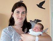 MARTIN HŮLKA z Plzně se narodil 3. května ve 12:36 hodin. Maminka Eliška a tatínek Martin znali pohlaví svého prvorozeného dítěte dopředu. Malý Martínek přišel na svět s porodní váhou 3400 gramů a mírou rovných 50 centimetrů.