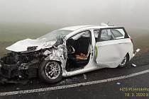 Nehoda osobního a nákladního auta na obchvatu Rokycan