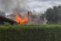 Požár chaty v Kařízku.