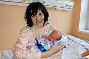 ANTON SNÍŽEK z Rokycan přišel na svět 22. prosince v osm hodin a 41 minut. Manželé Lucie a Viktor věděli dopředu, že jejich první dítě bude chlapeček. Malý Anton vážil 4040 gramů, měřil 52 cm.
