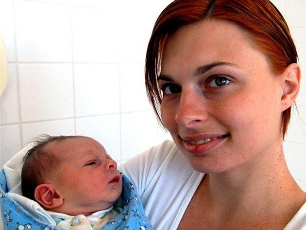 Bořek Červenka z Rokycan si naplánoval příchod na svět 1. května ve 14.12 hodin. Maminka Božena a přítel Jan (byl na sále) věděli, že prvním potomkem bude chlapec. Měřil 50 cm a vážil 3250 gramů.