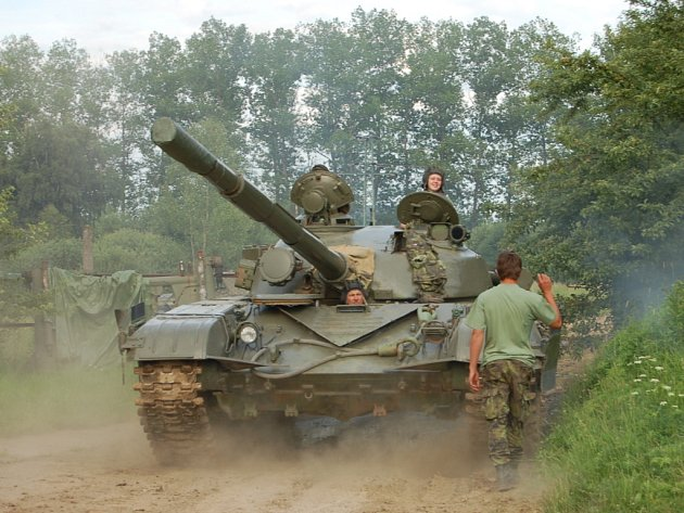 U Strašic se v sobotu konal jubilejní 20. ročník Dne pozemního vojska Bahna 2009.