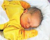 TOMÁŠ KRABÍNse narodil 10. března v 16:30 mamince Evě a tatínkovi Michalovi z Rokycan. Po příchodu na svět v plzeňské FN vážil jejich synek 3700 gramů a měřil 50 centimetrů.