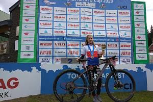 Dvanáctiletá lucka grohová vybojovala na šampionátu horských kol v Peci pod Sněžkou zlatou medaili. Nejen pro Kařez, ale také pro klub ve Stupně.