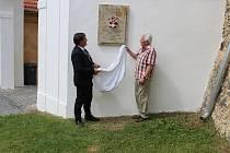 odhalení pamětních desek ve Zvíkovci