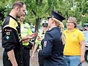 Kontrolovaným policejní mluvčí předávala tabulku vypovídající o času potřebném pro vymizení alkoholu z krve.
