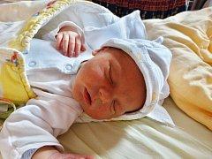 JÁCHYM KRHOUN se narodil 15. července v 18:34 mamince Veronice Březinové a tatínkovi Janovi z Příkosic. Po příchodu na svět v plzeňské FN vážil bráška tříletého Honzíka 3830 gramů a měřil 52 centimetrů.