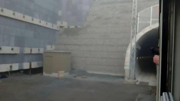 Vjezd osobního vlaku do nového tunelu u Ejpovic