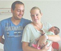 Natálie KRUŽLIAKOVÁ z Hrádku bude mít ve svém rodném listu datum narození 3. srpna. Přišla na svět v 18 hodin a 39 minut. Maminka Monika Khailová a tatínek Martin Kružliak věděli, že jim čáp napoprvé přinese holčičku. Natálka měla 3420 gramů a 49 cm.
